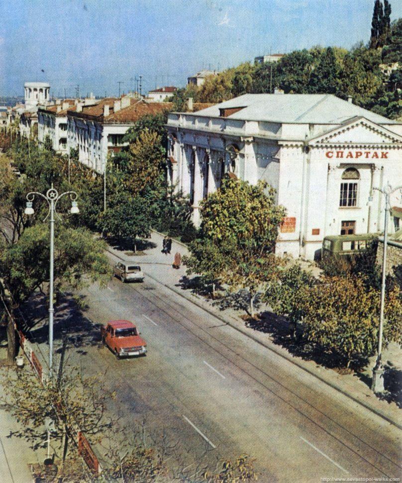 Фонари в центре Севастополя