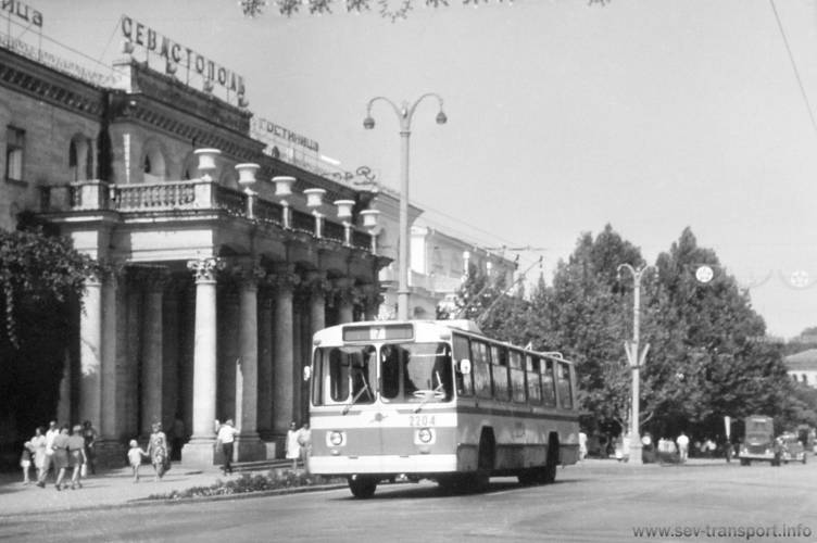 Старые светильники Севастополя