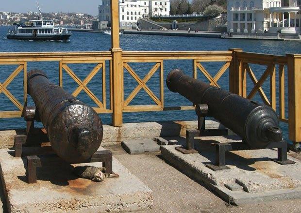 рыльце в пушку | Деградация Севастополя
