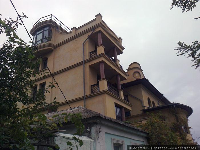Ул. Керченская 40