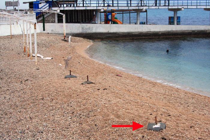 Остатки на пляже Парк Победы