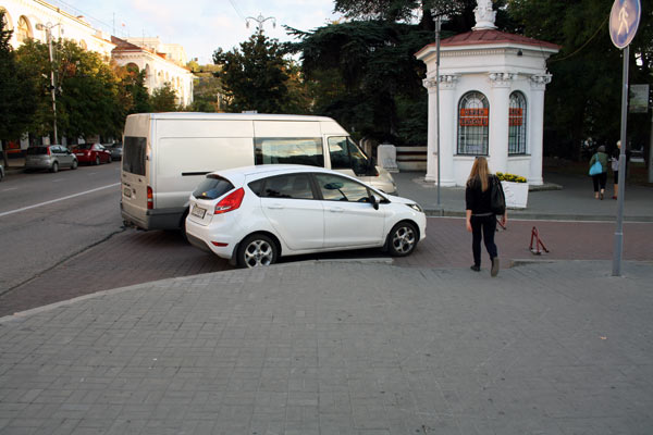 авто на пути пешеходов (4)