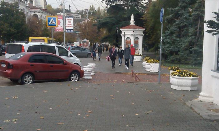авто на пути пешеходов (2)