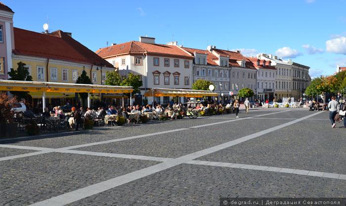 Улица Ратуше, Вильнюс, Литва.