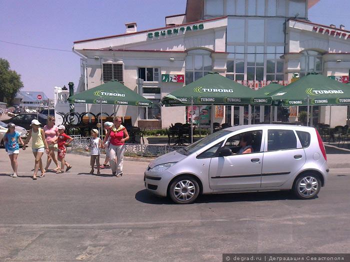Артбухта - ад для пешеходов (10)