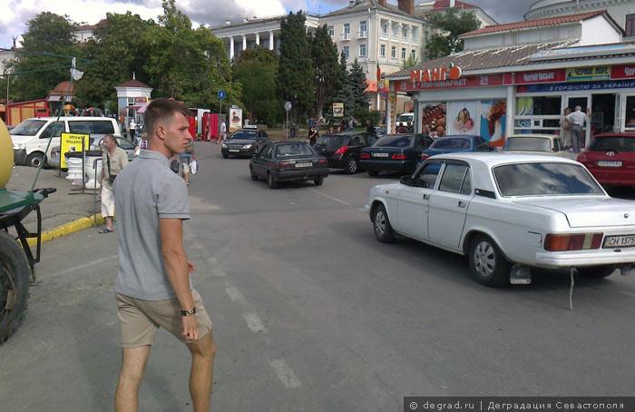 Артбухта - ад для пешеходов (7)