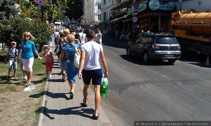 Артбухта - ад для пешеходов (12)